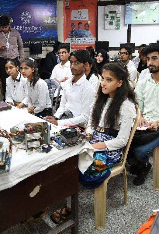 Photo of NIT Raipur Faculty:-भारतीय राष्ट्रीय प्रौद्योगिकी संस्थान रायपुर में 65 पदों पर भर्ती…विभागीय विज्ञापन देखे