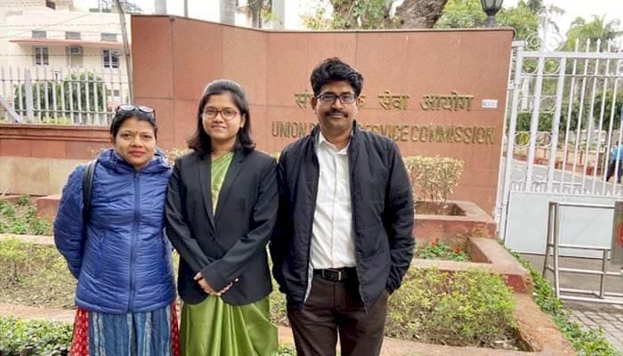 रायपुर। भारतीय प्रशासनिक सेवा (IAS) के लिए छत्तीसगढ़ के 5 उम्मीदवारों का चयन हुआ है। भिलाई की सिमी करण ने 31वीं रैंक, उमेश प्रसाद गुप्ता ने 162 वीं रैंक, सूथान ने 209 वीं रैंक, आयुष खरे ने 267 वीं रैंक और योगेश कुमार पटेल ने 434 वीं रैंक हासिल की है। UPSC की सिविल सर्विस परीक्षा पास करने वाले छात्रों को मुख्यमंत्री भूपेश बघेल बधाई दी है।
